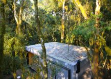 Smart-design-of-the-vacation-homes-integrates-the-retreats-with-nature-42605-217x155
