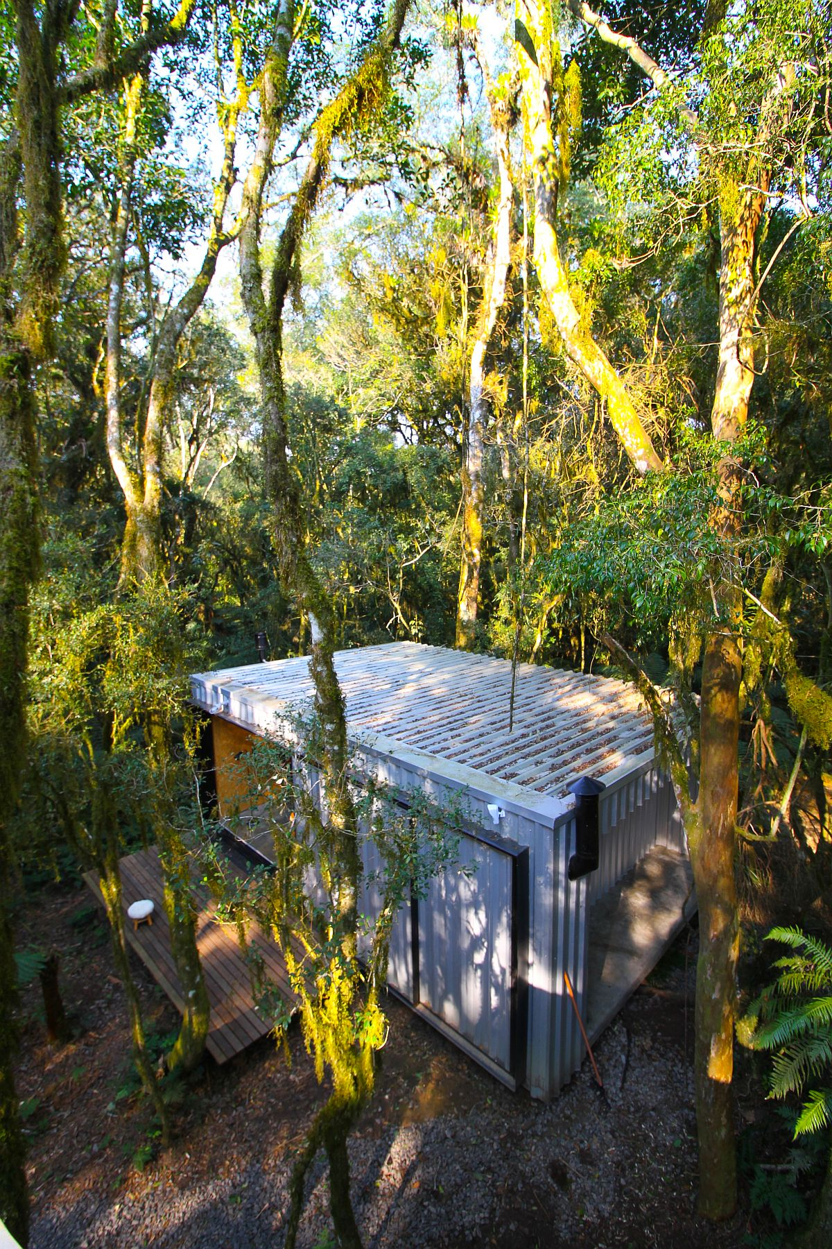 Smart-design-of-the-vacation-homes-integrates-the-retreats-with-nature-42605