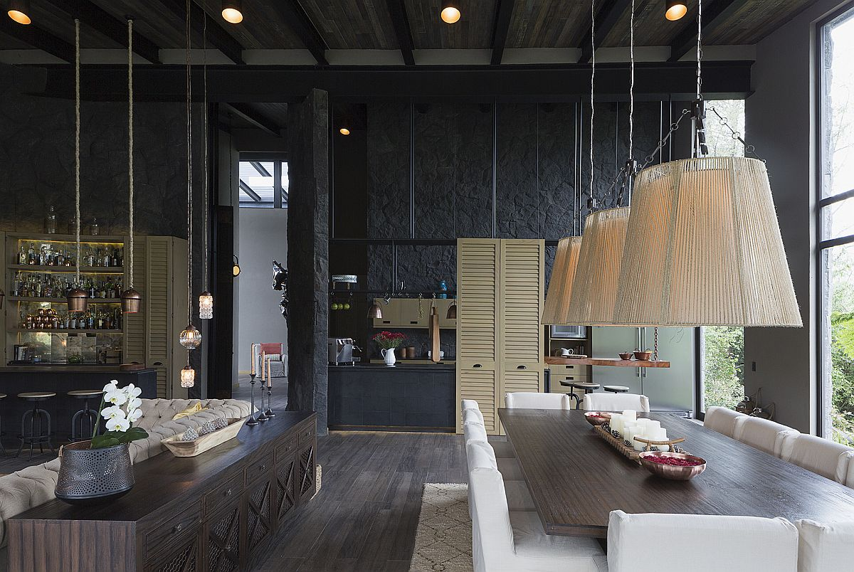 Spacious-dining-area-and-kichen-of-the-Mexican-weekend-home-35510
