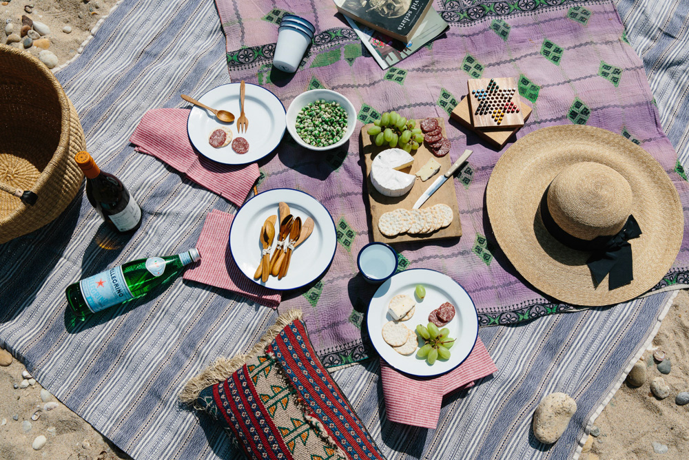 Stylish picnic with layered textiles