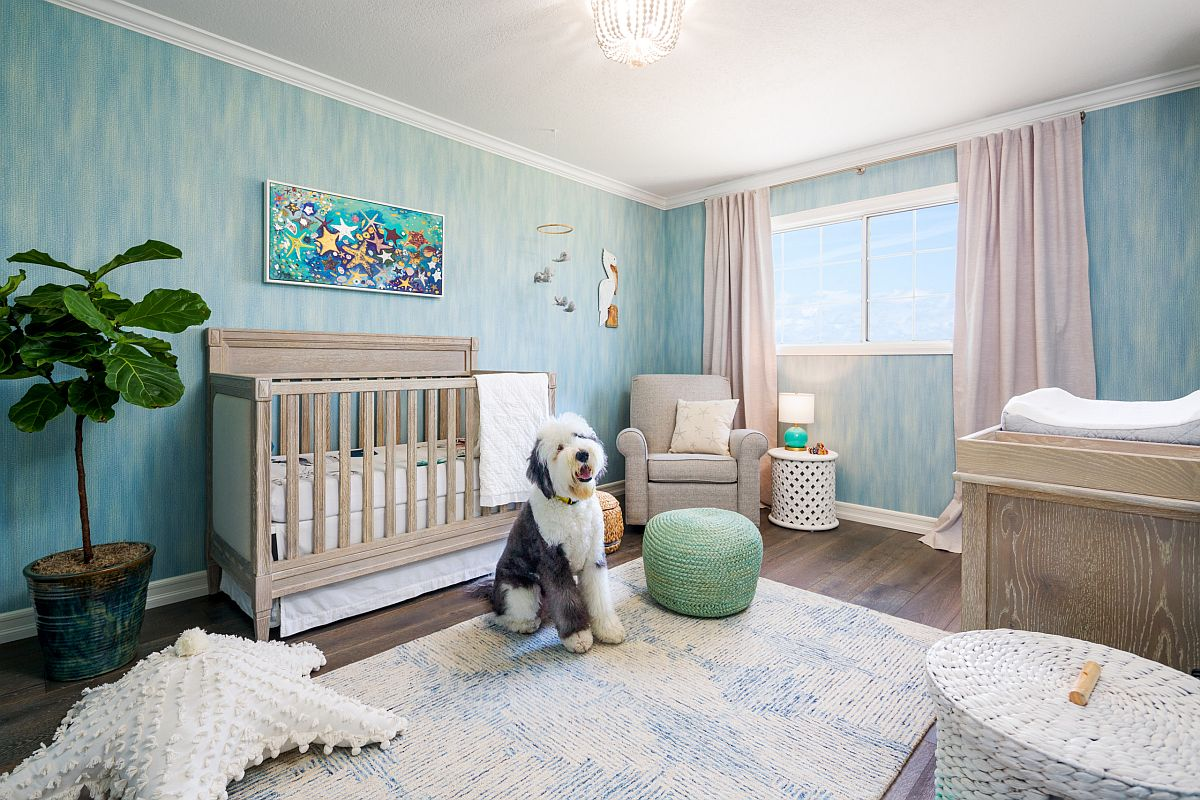 Textured wall in blue for the cheerful beach style nursery