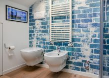 Tiny-shabby-chic-bathroom-of-the-Milan-home-with-wallpapered-backdrop-that-steals-the-spotlight-72613-217x155