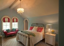 Traditional-attic-bedroom-wih-arched-windows-feels-cozy-and-classic-16095-217x155
