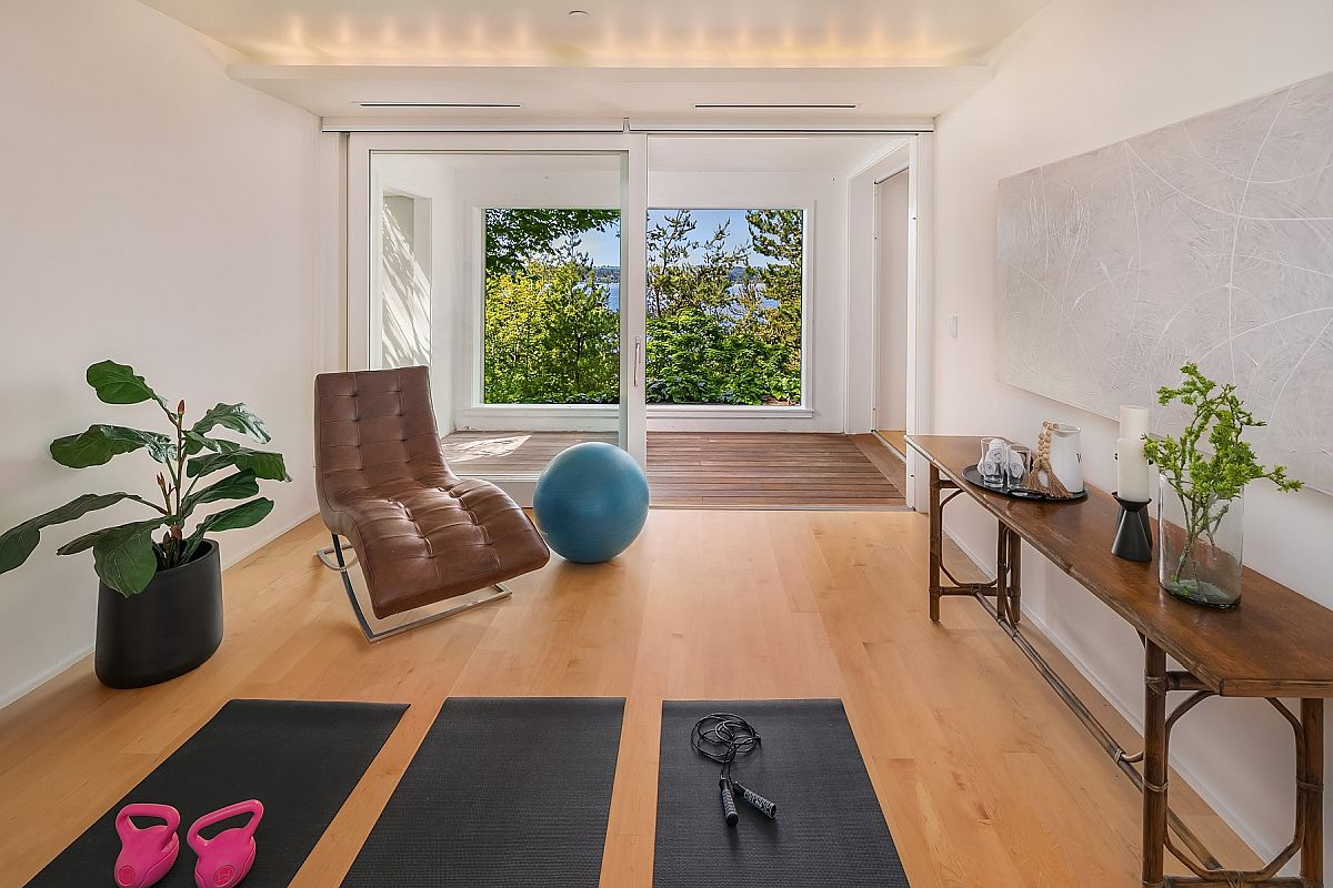 Turn-the-open-area-in-the-family-room-into-a-breezy-home-workout-zone-95615