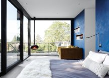 View-from-wihin-the-bedroom-with-glas-walls-is-as-spectacular-as-the-one-from-outside-90928-217x155