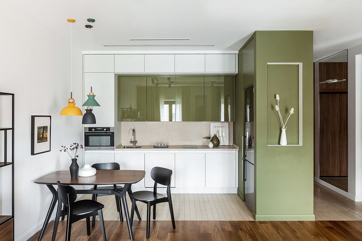 Apartment-kitchen-in-Moscow-with-a-white-and-green-color-scheme-43827