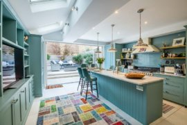 Summer Kitchen Color Trends: From Loyal Blues to Daring Pinks!