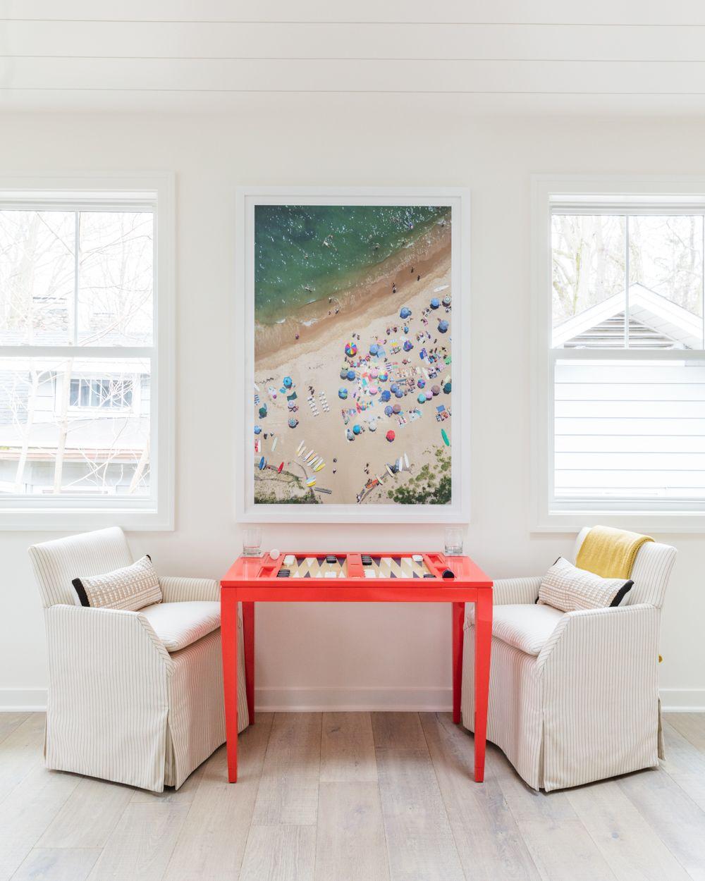 Bright-red-backgammon-table-and-Gray-Malin-photohraphy-88254