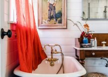 Clawfoot-bathtub-for-the-modern-coastal-bathroom-in-white-and-casual-wall-decorative-pieces-54474-217x155