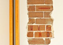 Combing-brick-with-more-modern-finishes-in-the-home-41071-217x155