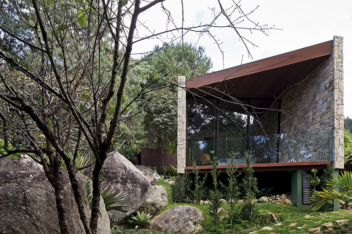 Contemporary writer's retreat in brazil takes you into refuge of nature even as it offers modern comfort