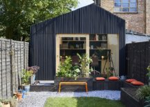 Cork-seating-area-outside-the-backyard-office-space-turns-it-into-a-great-social-hangout-when-needed-70087-217x155
