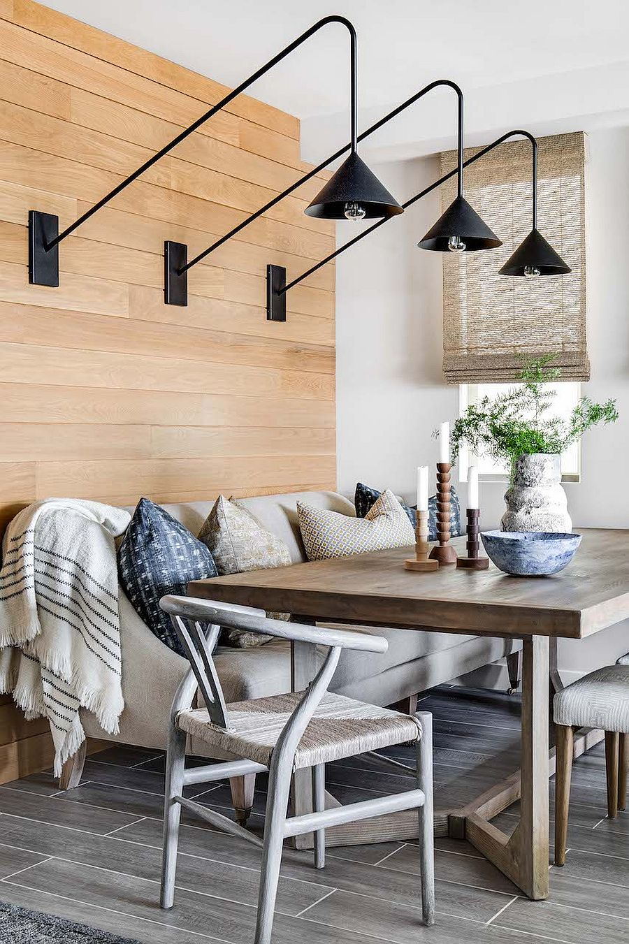 Dark-sconce-lighting-fixtures-for-the-small-beach-style-dining-area-43621