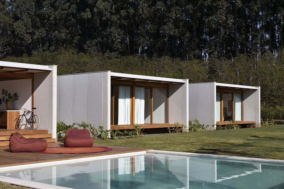 Different blocks of the home help delineate the publica areas from private spaces