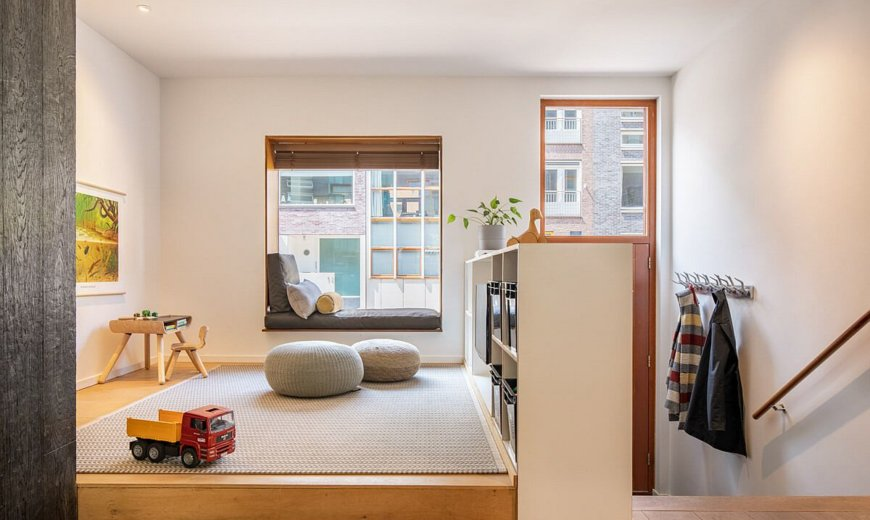 Ingenious Canal House in Amsterdam with Split-Level Layout that Makes a Difference