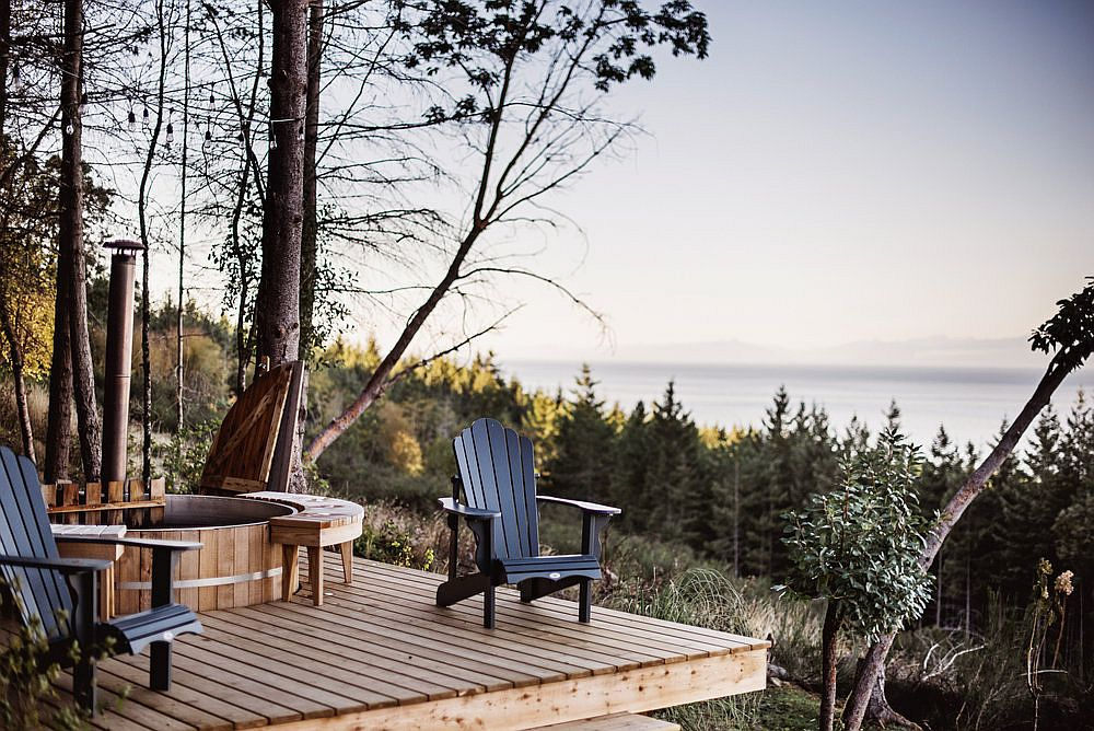 Fabulous-view-of-the-sea-and-the-distant-landcsape-from-the-lovely-deck-of-the-Cabin-on-Galiano-Island-60029