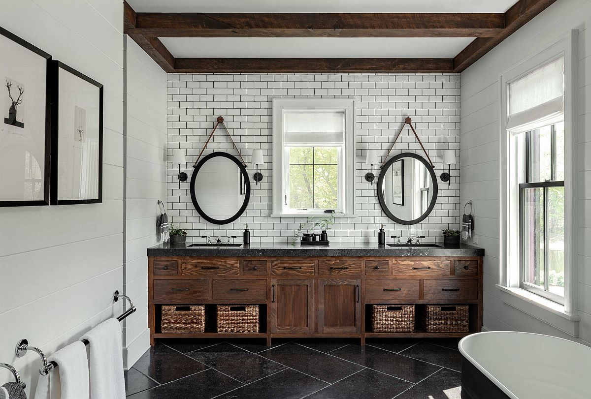 Farmhouse style bathroom in white and wood with modernity and a dark floor