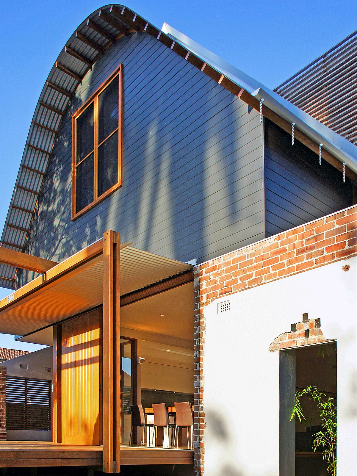 Gray-and-brick-exterior-of-the-revitalized-1920s-Sydney-house-90148