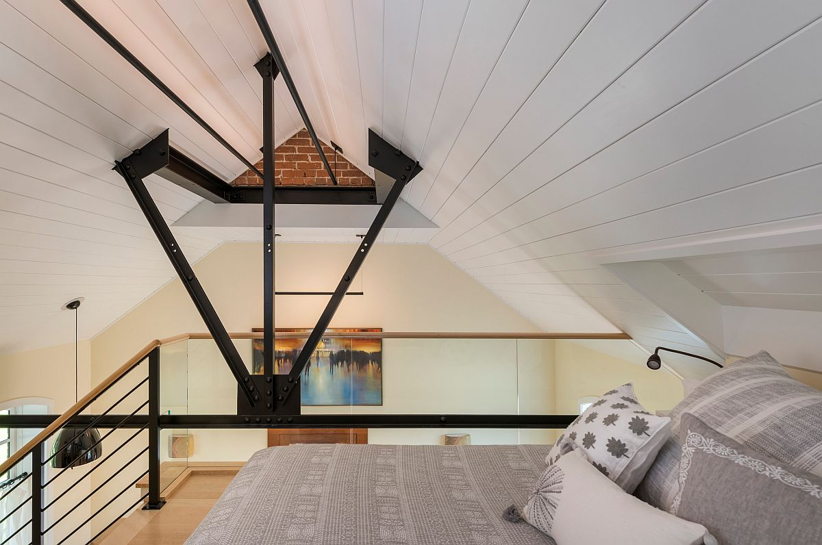 Making-use-of-vertical-space-in-the-small-apartment-to-fit-in-an-additional-bedroom-13783