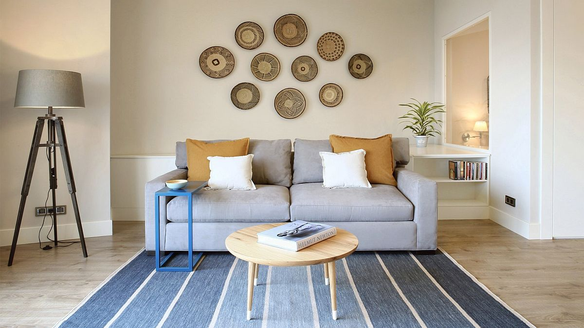 Modular-sofa-in-the-living-room-can-be-turned-into-a-bed-when-needed-with-ease-30932