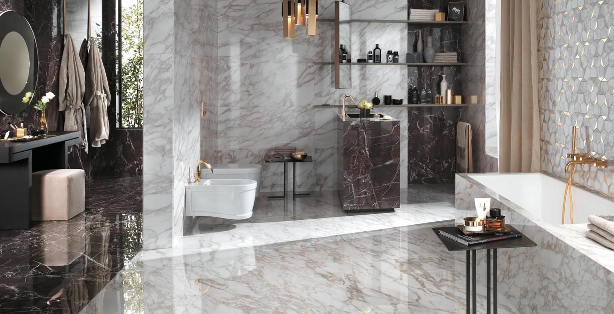Round mirror in a luxury bathroom