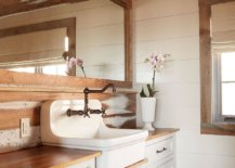 Rustic-bathroom-in-white-and-wood-feels-cozy-and-inviting-47901-217x155