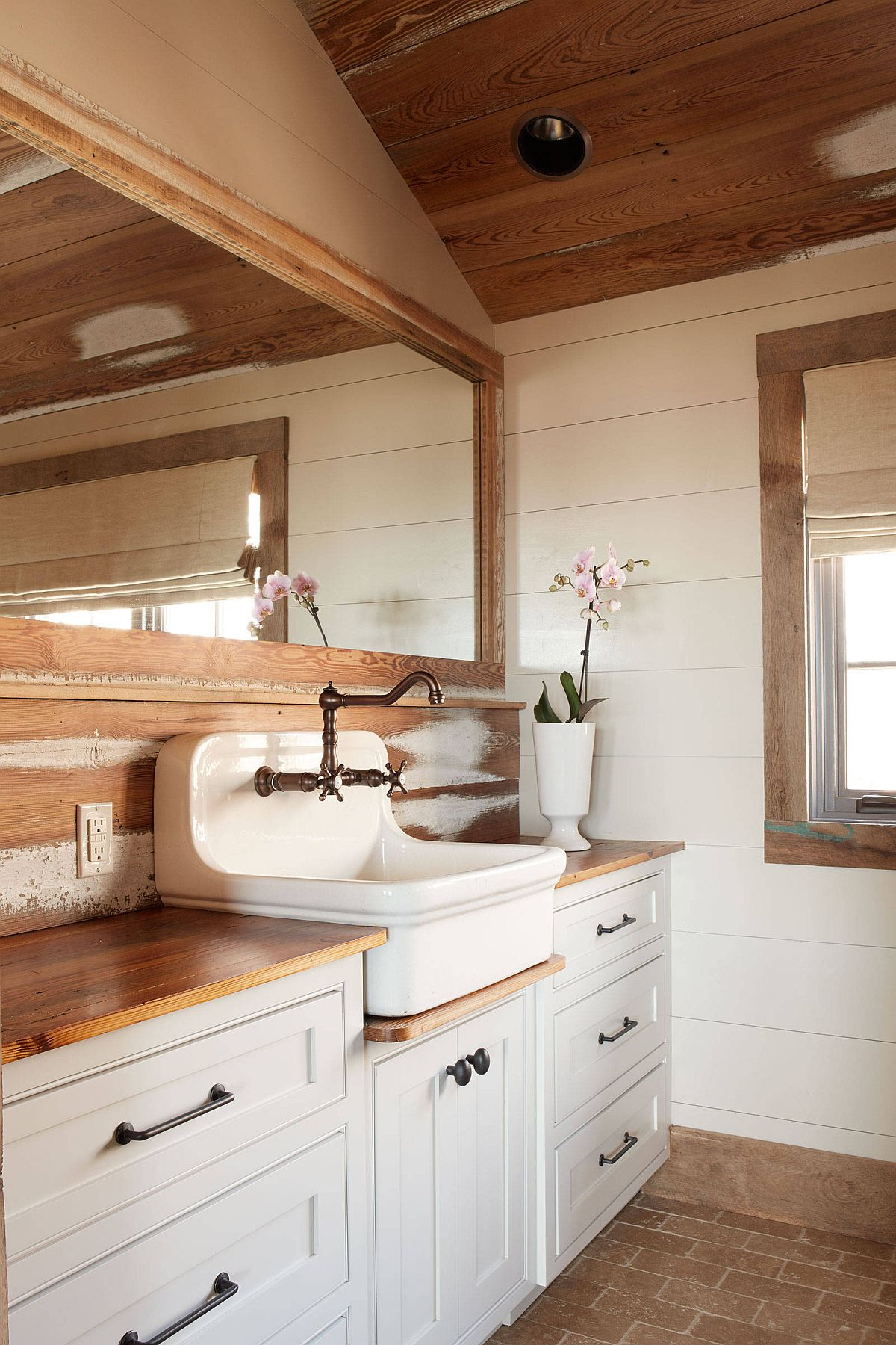 Rustic bathroom in white and wood feels cozy and inviting