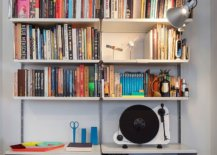 Simple-floating-shelves-create-a-lovely-open-bookshelf-in-the-backdrop-61054-217x155