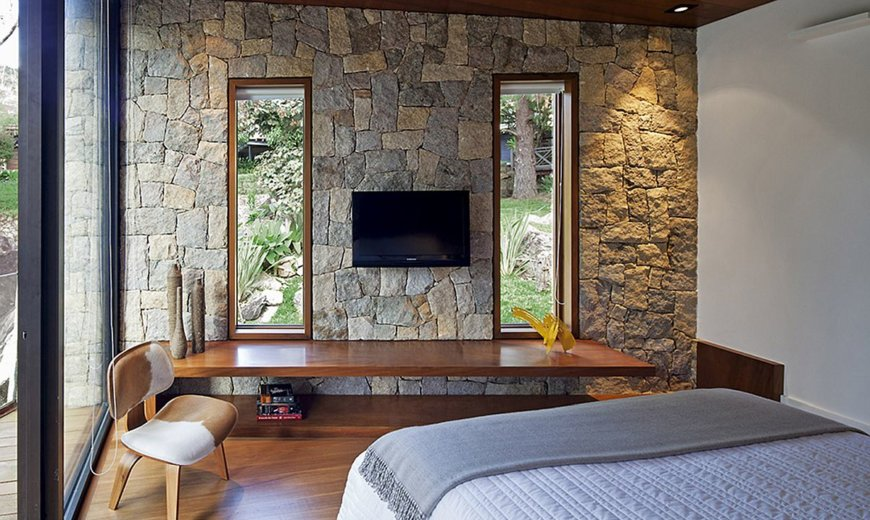 Modern Writer's Retreat in Brazil Offers Solitude Draped in Stone and Glass