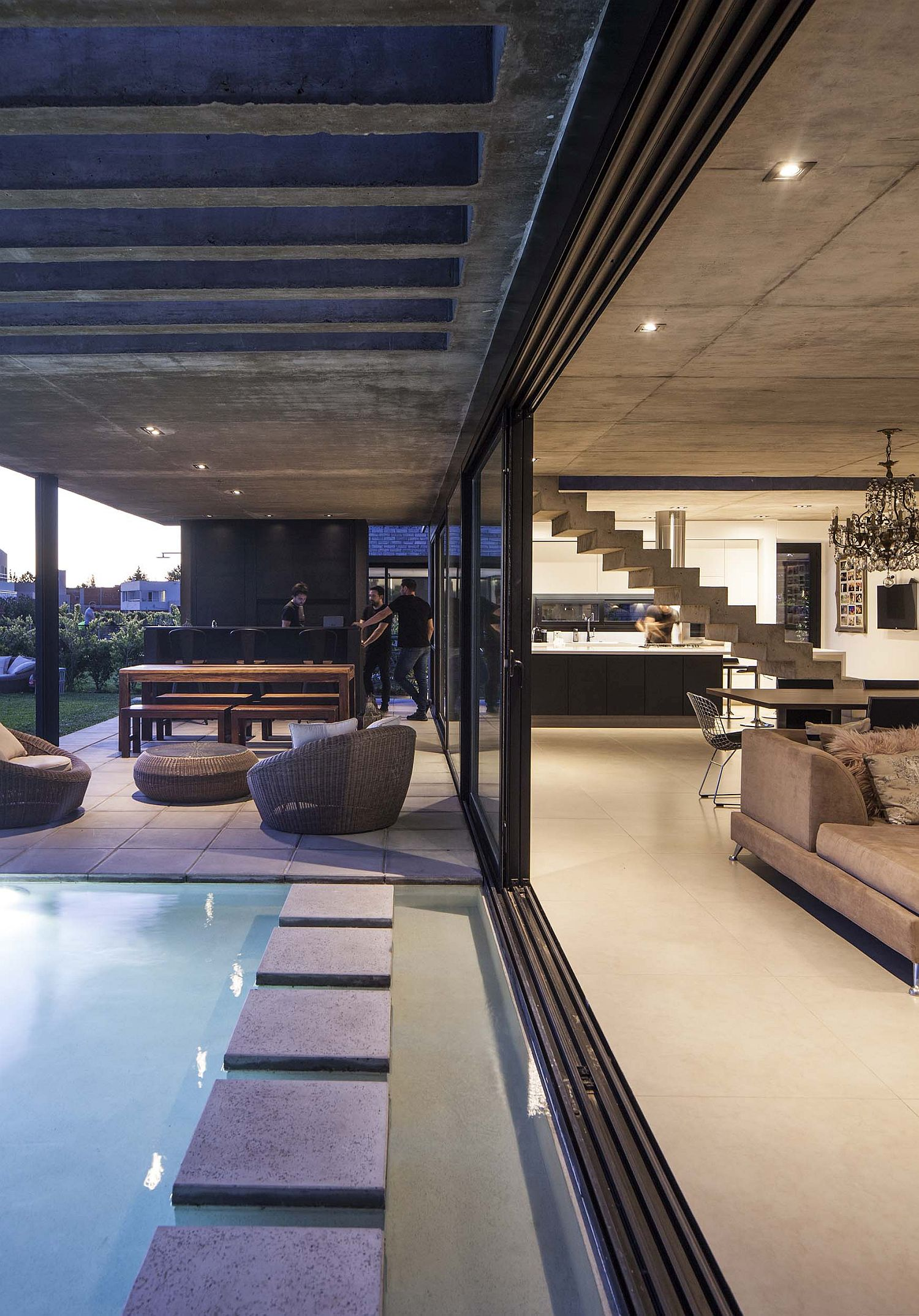 Sliding-glass-doors-connect-the-spacious-living-area-with-the-pool-and-the-al-fresco-dining-71676