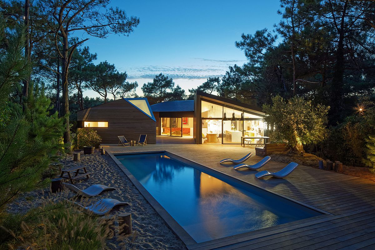 Small-forest-of-strawberry-tree-yucca-and-pines-surrounds-the-lovely-vacation-home-33632