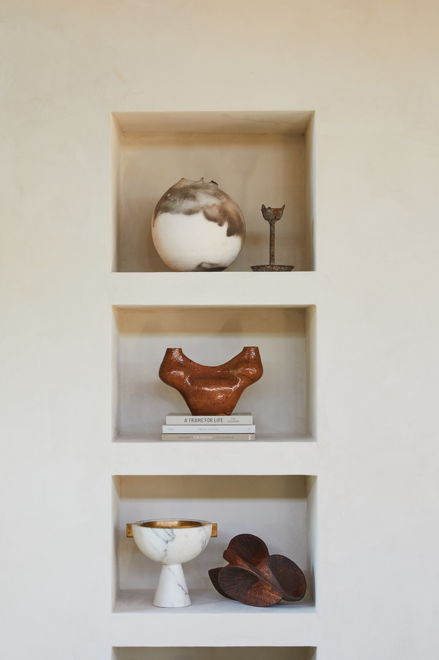 Wall with compartments for display