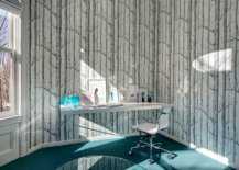 Wallpaper-brings-pattern-to-this-chic-home-office-without-altering-it-color-scheme-81533-217x155