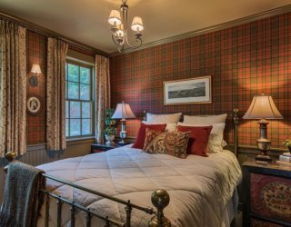 Rustic Bedrooms with Pattern: Ideas that Combine Modernity with Comfort