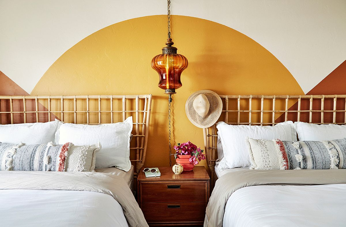 Beautiful-guest-bedroom-inspired-by-70s-Rock-n-Roll-culture-utilizes-yellow-in-a-clever-and-classy-fashion-31672