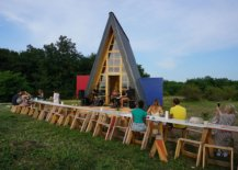 Design-of-the-Grand-Cabin-with-triangular-A-frame-that-steals-the-spotlight-87288-217x155