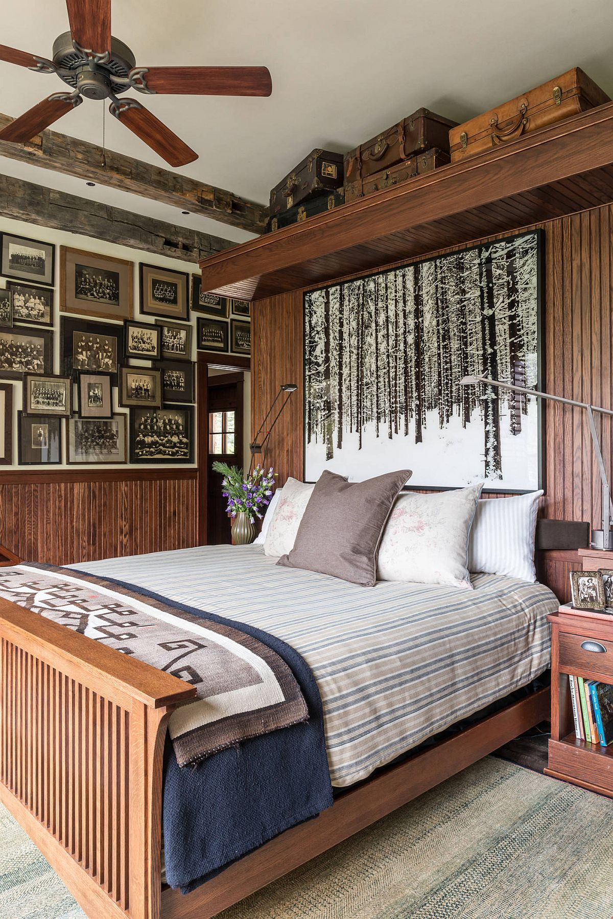Gallery-wall-in-this-cabin-style-bedroom-seems-to-take-you-down-a-trip-in-memory-lane-44482