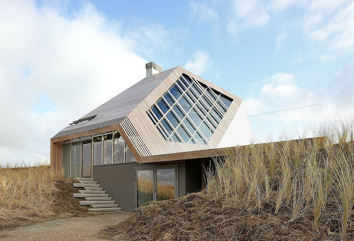 Innovative design of the Dune House feels like it is shaped by the elements of nature