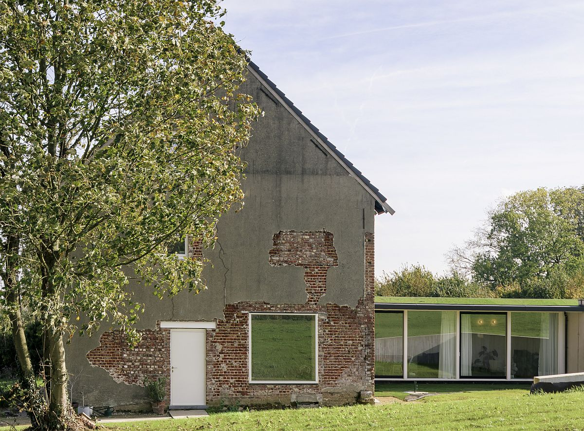 Johannes House Extension in Belgium combines the old and the new seamlessly