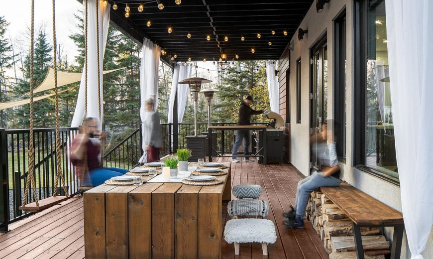 Dining on the Porch: Spend a Bit of Time Outdoors this Summer