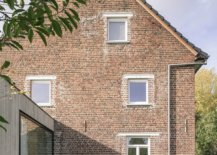 Lovely-brick-walls-of-the-house-are-preserved-to-enhance-it-timeless-appeal-41796-217x155