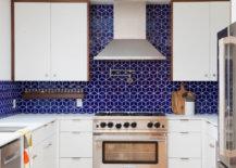 Midcentury-modern-royal-blue-tile-backsplash-94923-217x155