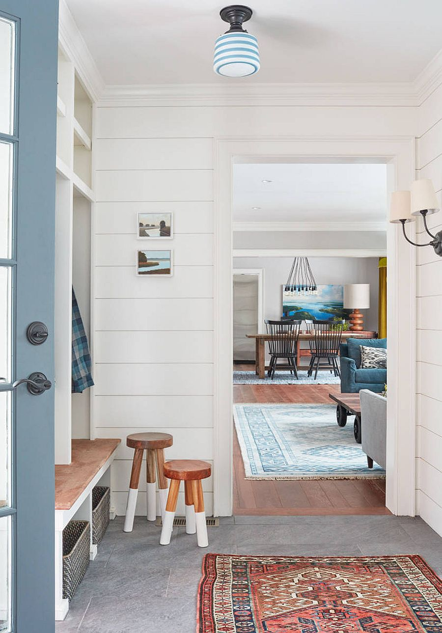 Modern houses embraces industrial and farmhouse touches to usher in best of both worlds!