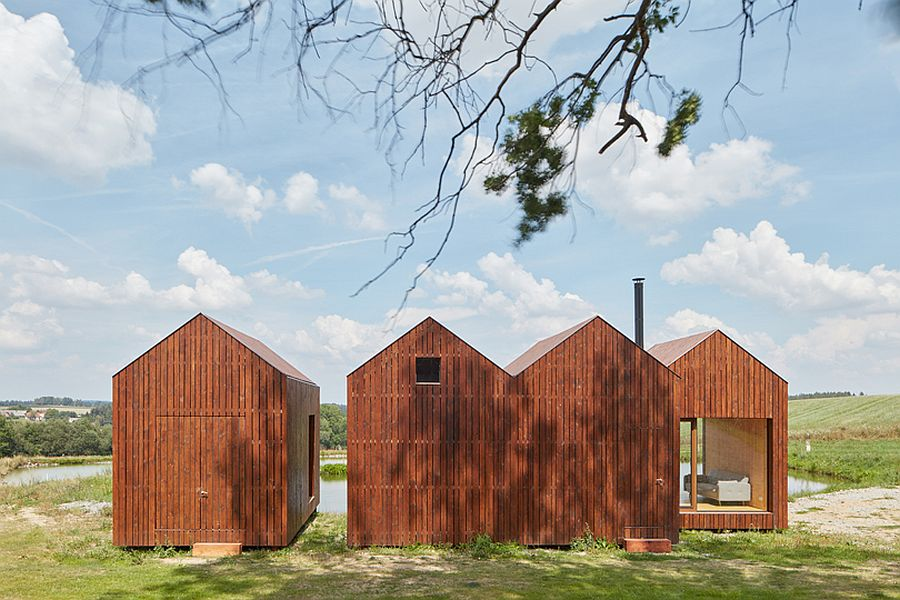 Modern-wooden-cabins-next-to-the-pond-in-Czech-Republic-16866