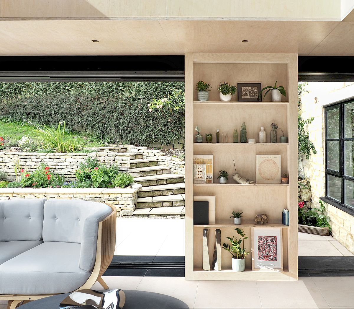 New reading room extension to classic 17th century cottage in UK