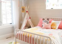 Popular-wallpaper-makes-its-way-on-to-the-ceiling-in-this-kids-room-even-as-the-rug-adds-more-color-63584-217x155