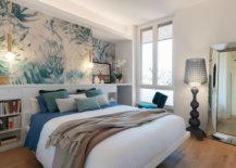 Relaxing-beach-style-coupled-with-pops-of-blue-and-green-in-the-bedroom-47449-217x155