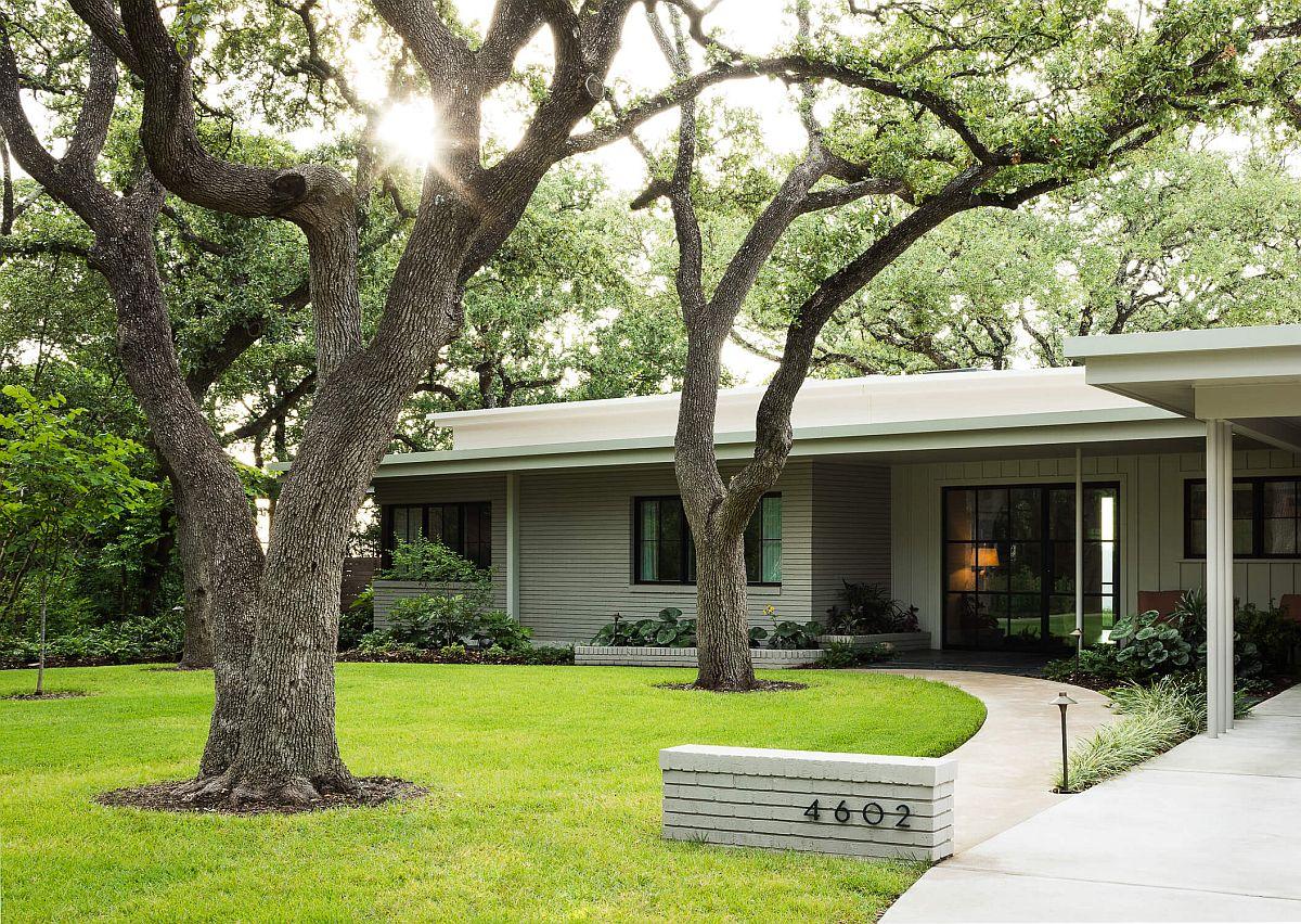 Ridge-Oak-Residence-in-Austin-with-a-historic-street-facade-61415