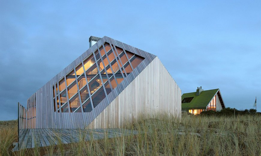 Shaped by the Landscape: Sculptural Dune House with Amazing Views of North Sea
