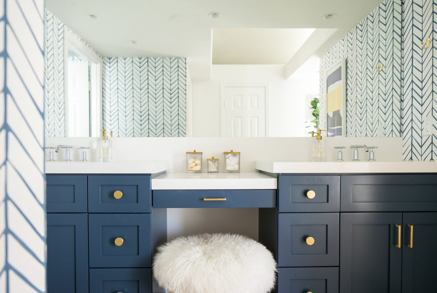 Beautify Your Life With A Vanity Table, Bathroom Dressing Table